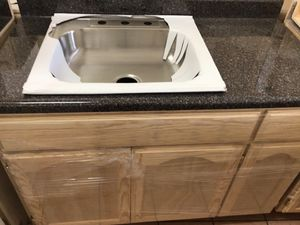 Kitchen cabinets 4ft countertop & sink included for Sale in Cerritos, CA