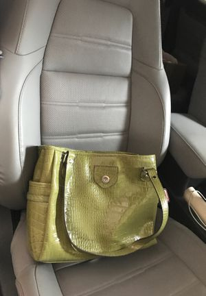 Super clean green purse for Sale in Carthage, MO
