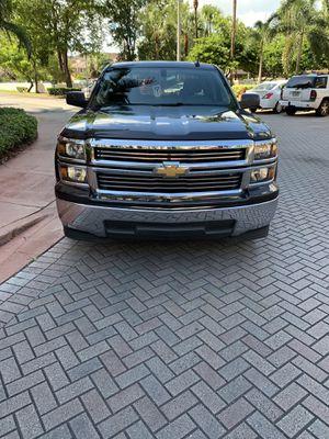 Chevy Silverado 2015 for Sale in Miami, FL