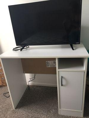 Desk for Sale in Riverview, MI