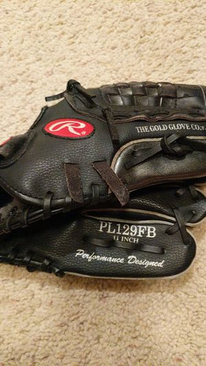 Rawlings glove for Sale in Clovis, CA