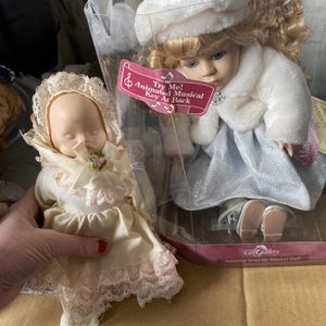 Vintage Dolls 80's Early90s Porcelain Quality for Sale in Port Richey, FL