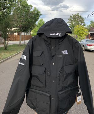Supreme x TNF cargo jacket size L for Sale in Denver, CO