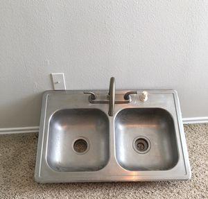 Kitchen sink for Sale in Benbrook, TX