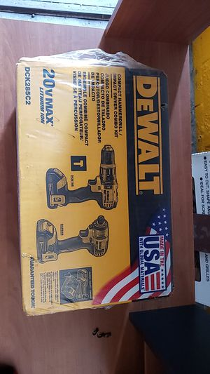DeWalt drill and impact set for Sale in Los Angeles, CA