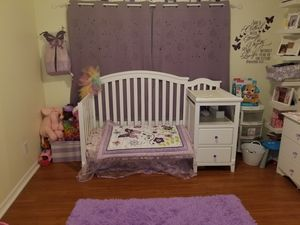 Crib with Changing table and Drawers for Sale in Orlando, FL