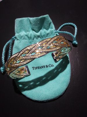 A BEAUTIFUL TIFFANY & CO 925 SILVER BRACELET FOR SALE for Sale in Sudley Springs, VA