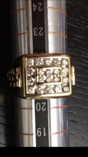 10KSolid Gold Diamonds Ring 1.4 CTW Size 10 for Sale in Hialeah, FL