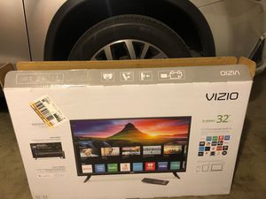 Vizio d-series 32 inch smart tv for Sale in Moreno Valley, CA