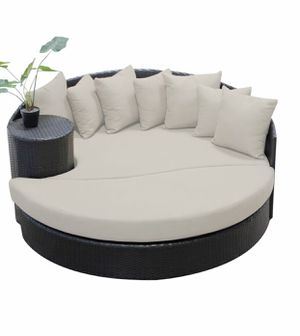 Outdoor patio furniture - circular sun bed for Sale in Santa Ana, CA