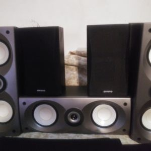 5 Onkyo Surround Sound Speakers 130watts for Sale in Orlando, FL