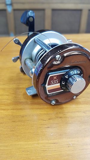 Old Ted William's 535 level wind fishing reel. for Sale in Castle Rock, WA