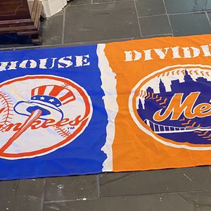 Large 3x5 New York Mets New York Yankees Flag for Sale in Suffolk, VA