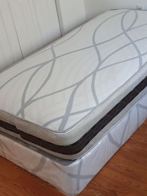 NEW TWIN MATTRESS AND BOX SPRING 2PC. for Sale in Greenacres, FL