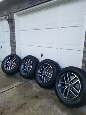 "Excellent condition 2019 jeep Grand Cherokee 18"" wheels and tires. 265/60R18 for Sale in Spanaway, WA"