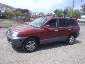 2004 Hyundai Santa fe 200k Hwy miles runs and drives!!! for Sale in Temple Hills, MD