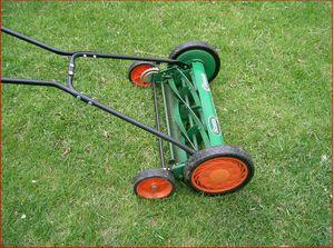 Scotts 20 in. Reel Lawnmower with Grass Catcher for Sale in Woodbridge, VA