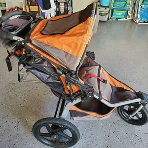$249 BOB REVOLUTION SINGLE STROLLER W/ TRAVEL CARRIER SET + CHICO ADAPTER (IF NEEDED) for Sale in Laguna Hills, CA