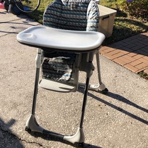 Chicco High Chair for Sale in Tampa, FL