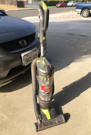 Hoover Air light vacuum swivel steering light weight design for Sale in Moreno Valley, CA