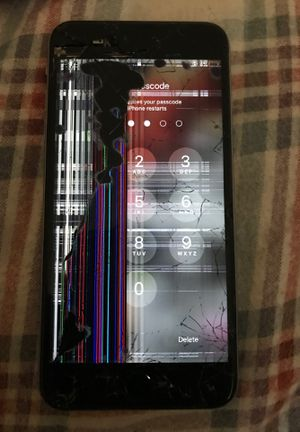 iPhone 6 Plus cracked iPhone still works for Sale in WARRENSVL HTS, OH