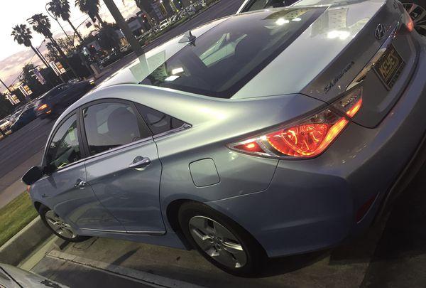 2012 Hyundai Sonata - Hybrid Sedan 4D