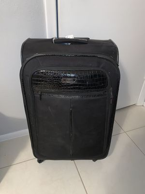 Kenneth Cole Reaction Luggage for Sale in Plantation, FL