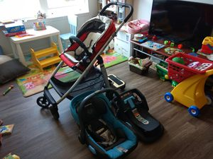 UPPAbaby Cruz stroller with compatible Mesa infant car seat and piggyback for Sale in Iowa City, IA