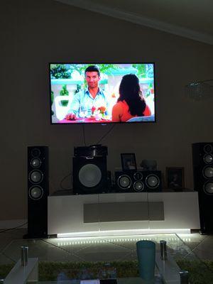 """65"""" Samsung Smart Tv for Sale in Miami, FL"""