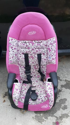 Kids car seat for Sale in San Bernardino, CA