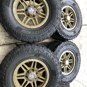 35x12.50 R17 for Sale in Downers Grove, IL