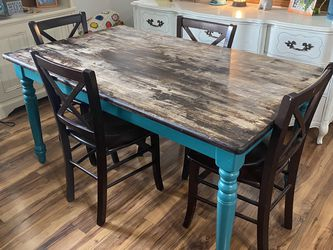 Kitchen Table & Chairs for Sale in Eatonville,  WA