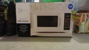 Mainstays .7 cu. Ft. Microwave for Sale in Toms River, NJ