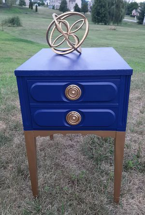 End table/nightstand for Sale in West York, PA