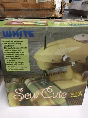 Small sewing machine for Sale in Pittsburgh, PA