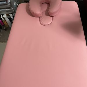 Massage Table for Sale in Danbury, CT