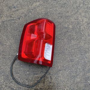 2017 Chevy Silverado 1500 tail Light Led OEM for Sale in Dallas, TX