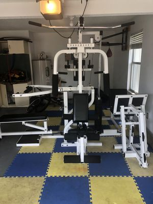 Paramount home gym for Sale in Apopka, FL