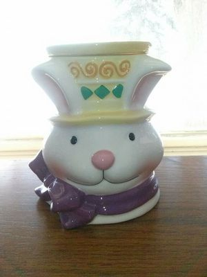 Easter Scentsy Warmer for Sale in Amherst, OH