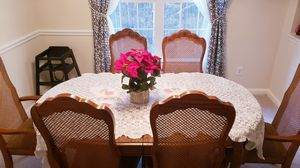 Dinning tables with 6 chairs for Sale in Alpharetta, GA