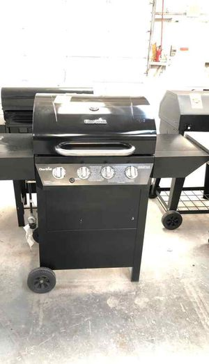 Charbroil grill 6BI for Sale in Los Angeles, CA