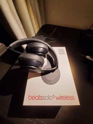 Beats Solo 3 wireless, Special Edition black for Sale in Chicago, IL
