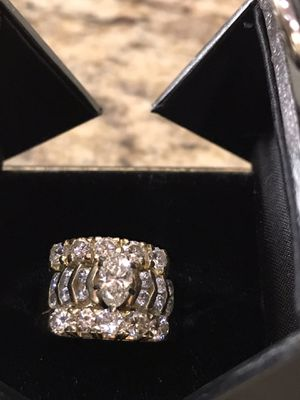 14k Gold Wedding ring over 2.5 karats in Diamonds worth $5,000 for Sale in Moreno Valley, CA