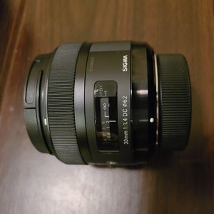 Sigma 30mm F1.4 Art DC HSM Lens for Nikon for Sale in Kansas City, MO