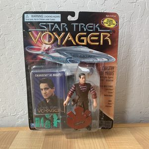 Vintage 1996 Playmates Paramount Pictures Star Trek Voyager Chakotay The Maquis Action Figure Toy NOTE : Item Is New With Accessories But Bubble Is C for Sale in Elizabethtown, PA