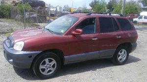 2004 Hyundai Santa Fe 200k Hwy miles runs and drives!!! for Sale in Oxon Hill, MD