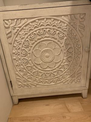 White decorative cabinet for Sale in Stanford, CA