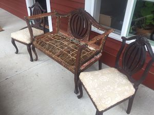 Antique settee and matching chairs for Sale in Battle Ground, WA
