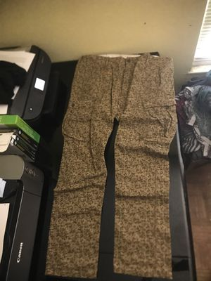 LEVIS CARGO PANTS for Sale in Benicia, CA