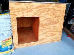 Dog House (Home Made) for Sale in Davenport, FL